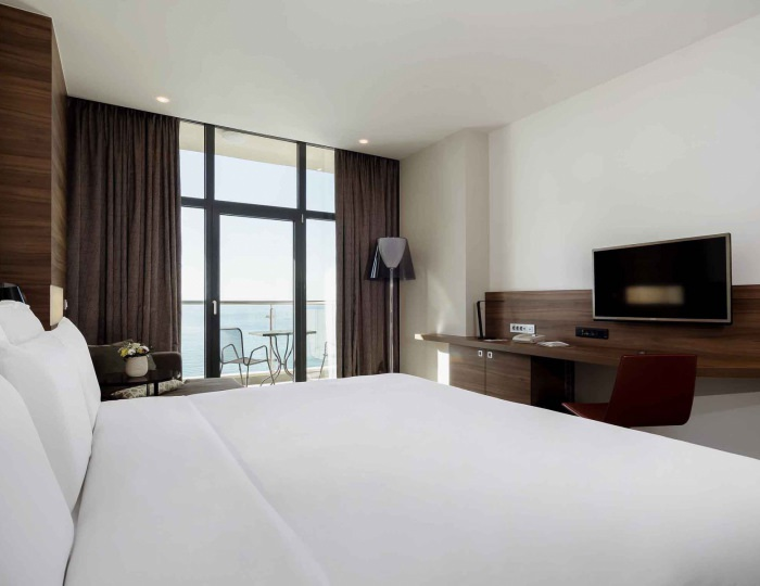 Deluxe with double bed (sea view) - Отель «Pullman Sochi Centre»